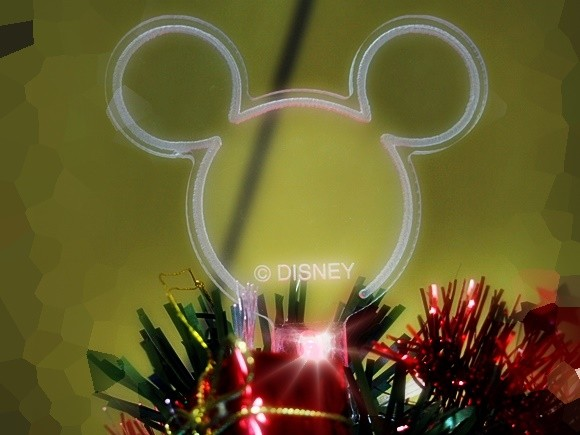 disney-christmas-tree-2016-39