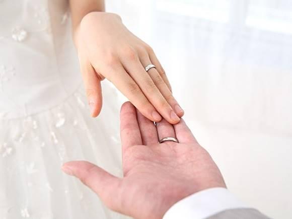 婚約指輪 値段 相場 結婚指輪